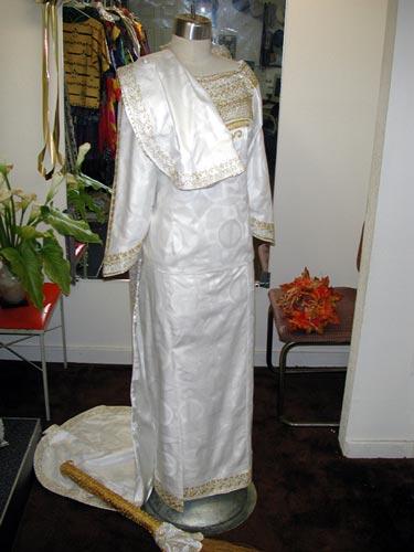 bridal-gown2001f-zoom.jpg