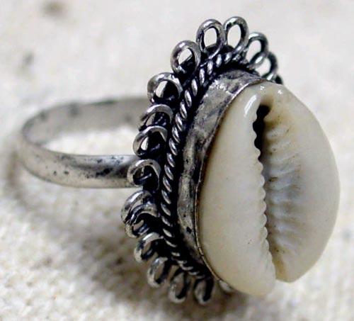 cowry-shell-ring2001z.jpg