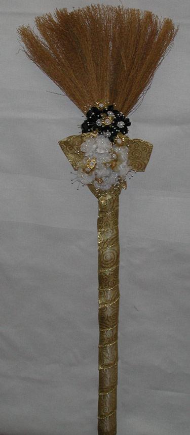 wedding-broom7002z.jpg