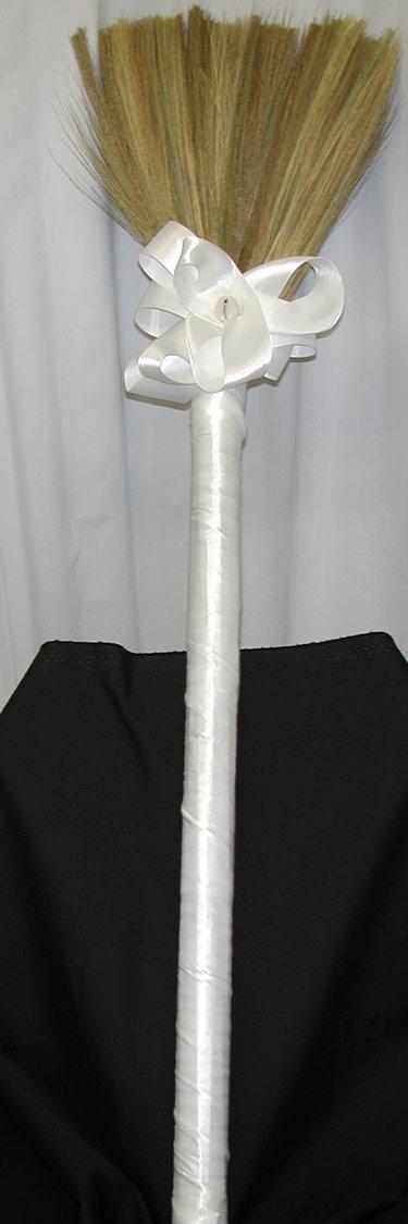 wedding-broom7003z.jpg